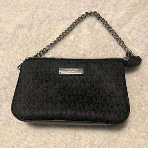 Michael Kors small purse / wristlet